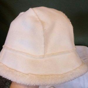 Accessories - White Fleece hat